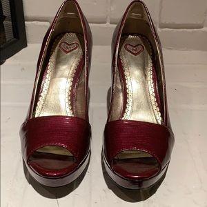 Naughty Monkey burgundy sz7.5 heels